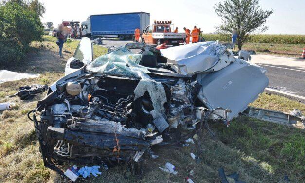 Halálos baleset: egy 18 éves lány vesztette életét, miután 3 autó ütközött Vas megyében