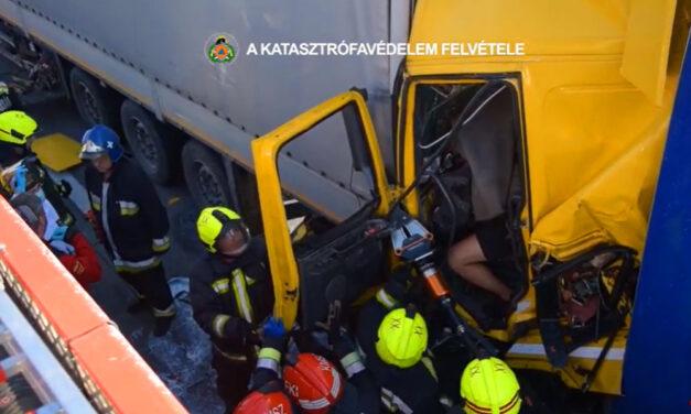 Úgy összepréselte a kamion a férfit, hogy azt hitték meghalt – feszítővágós mentőakció az M0-áson