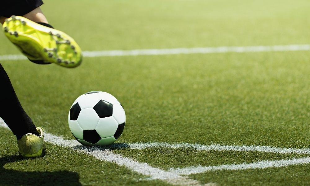 Gyászol a Fradi, elhunyt az a legendás futballistájuk, aki sporttörténeti gólokat rúgott