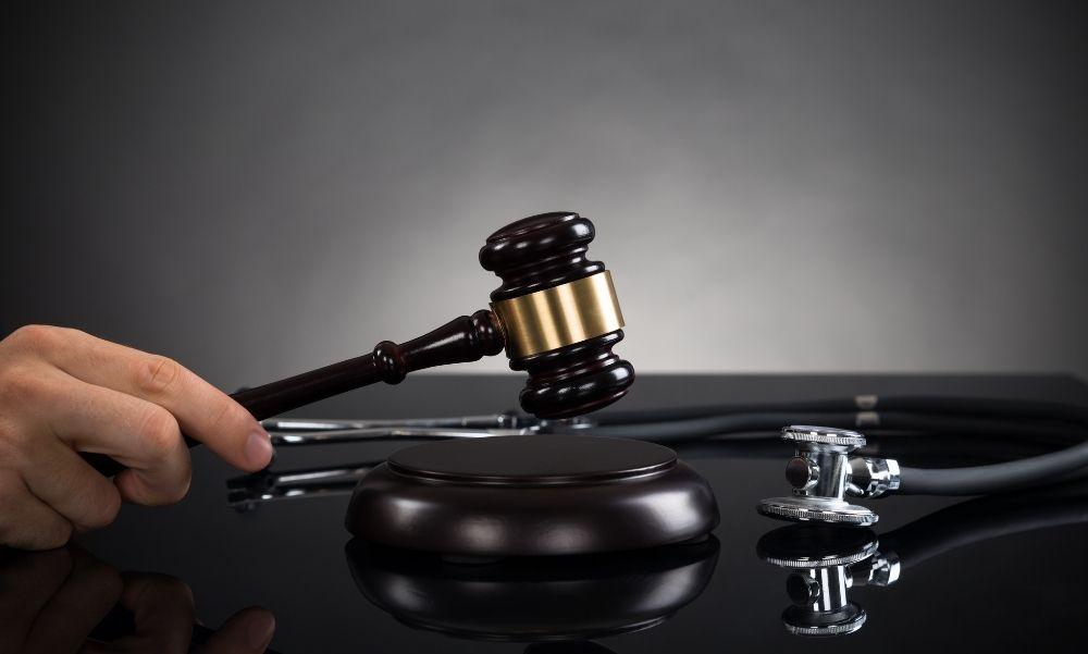9 évet kapott a férfi, aki egy 16 éves lányt kényszerített prostitúcióra, ezzel azonban még nincs lezárva az ügy