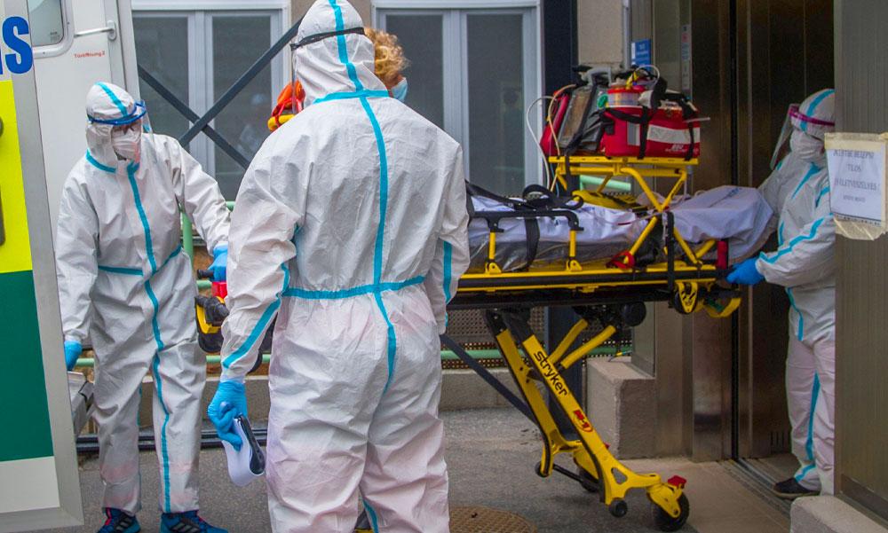 Korona: újabb 65 áldozata van a koronavírusnak itthon – közben az orosz vakcina is megkapta az engedélyt
