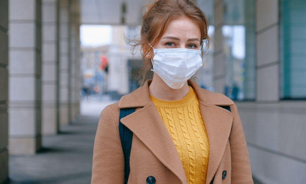 Kötelező a közterületen a maszk, de… – Így pontosított Magyarország Kormánya – fotó