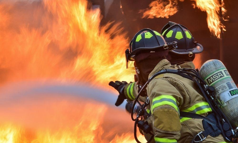 Így kerülhetjük el, hogy a tűzoltókkal töltsük a karácsonyt – Fogadd meg a katasztrófavédelem tanácsait!