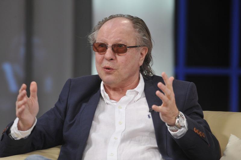 Ma temették el a koronavírusban elhunyt Balázs Fecót: több hazai zenész is elbúcsúzott a legendás énekestől