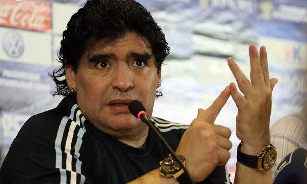 Meghalt a legendás focista, Diego Maradona