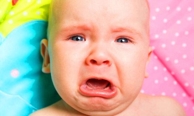 Kábítószer került az 5 hónapos kisbaba szájába, a drogos anya és apa későn vette észre a tragédiát