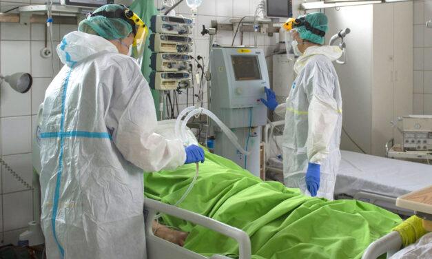 Fekete csütörtök: rég nem látott magasságokban az új koronavírus fertőzöttek száma, meghalt 152 ember