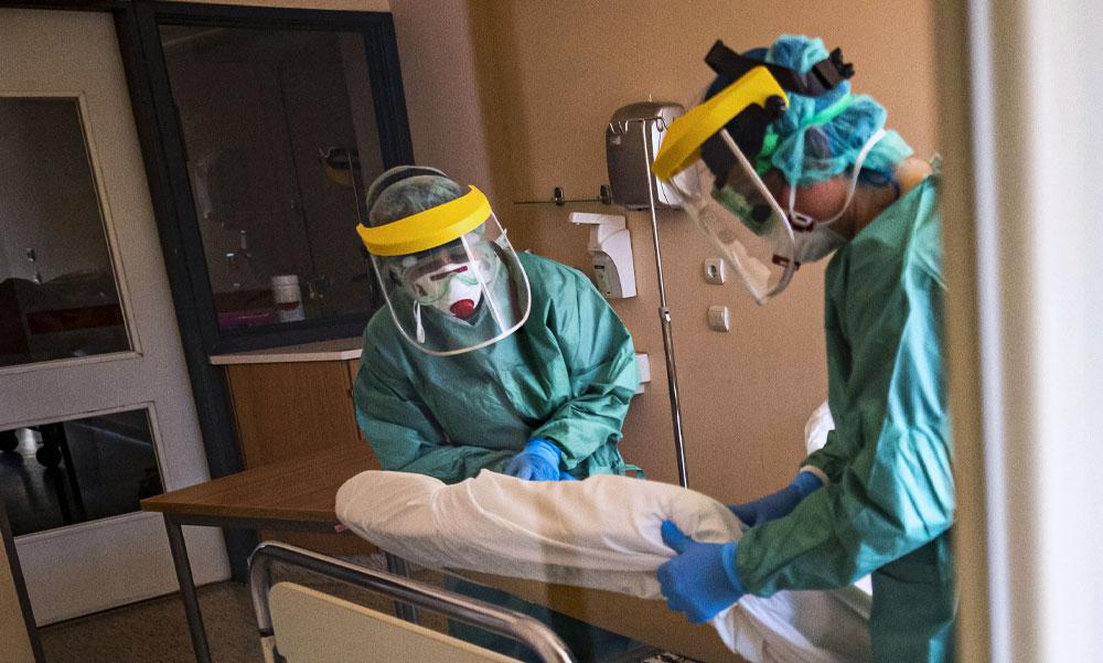 Koronavírus: Ismét sok új fertőzöttet találtak, elhunyt 189 beteg