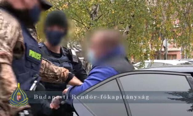 Kábítószerfogyasztó az a férfi, aki rossz maszkhasználat miatt támadt egy utasra az 1-es villamoson, Budapesten