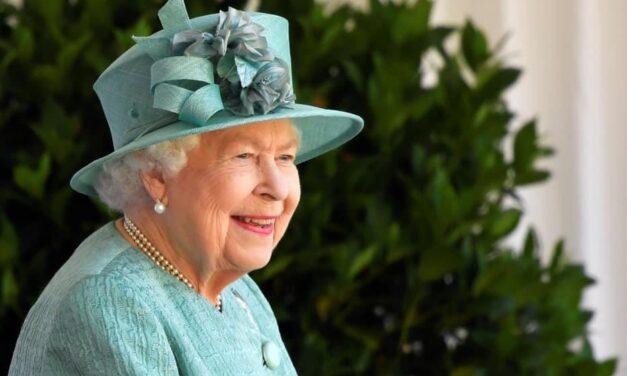 Hamarosan megkaphatja a koronavírus elleni vakcinát Erzsébet királynő is