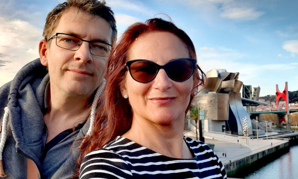 Nem foglalkoznak a koronavírussal, az 50 éves házaspár eladta budapesti lakását és inkább világgá mentek