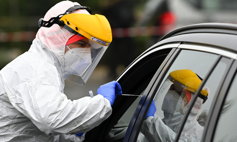 275 emberéletet követelt a koronavírus itthon, több mint 11 ezer új fertőzöttet azonosítottak