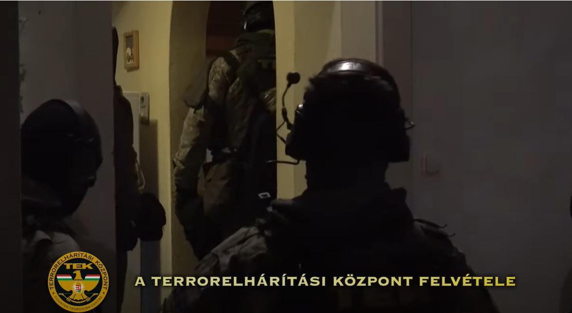 Újabb dílerre csaptak le a zsaruk a fővárosban – Videón a razzia