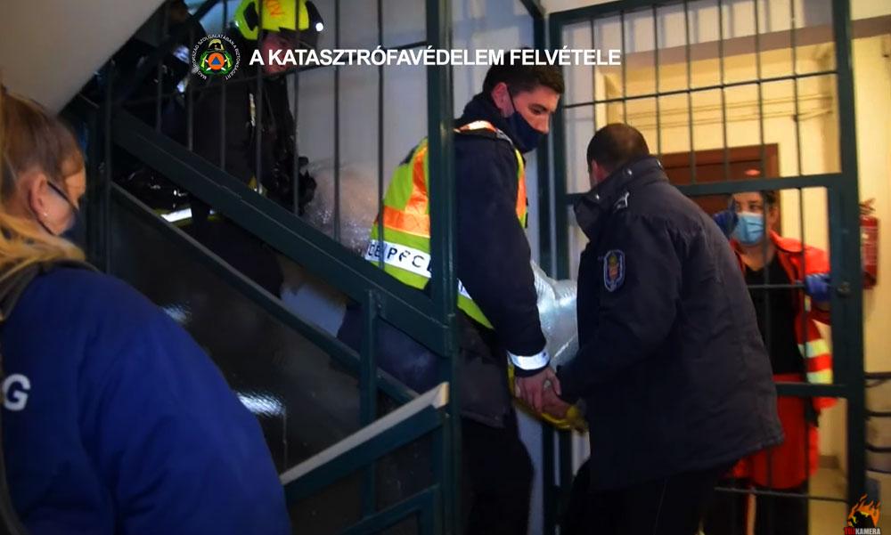 Lakástűz Budapesten: életveszélyes állapotban vitték kórházba a sérültet