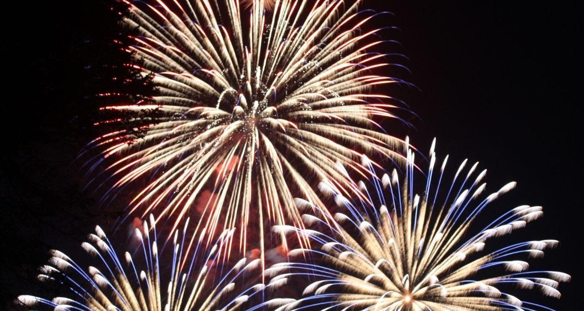Akkor most tisztázzuk, hogy a kertben lehet-e idén petárdázni vagy tűzijátékot fellőni – Itt a rendelet a szilveszteri tiltásokról