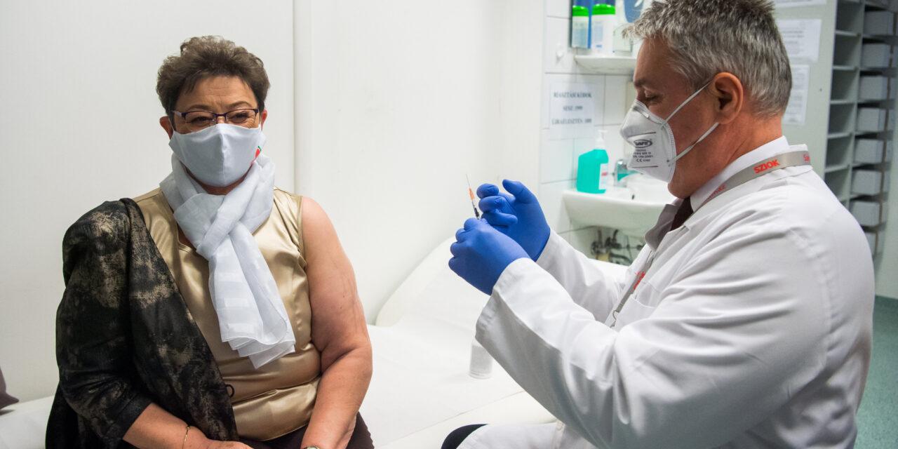 Müller Cecília is megkapta a koronavírus elleni vakcinát – Erre kérte az egészségügyi dolgozókat – fotó
