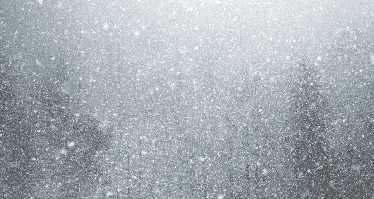 Ónos eső és hózápor tarolja le az országot: Mutatjuk, melyik megyékben várható havazás