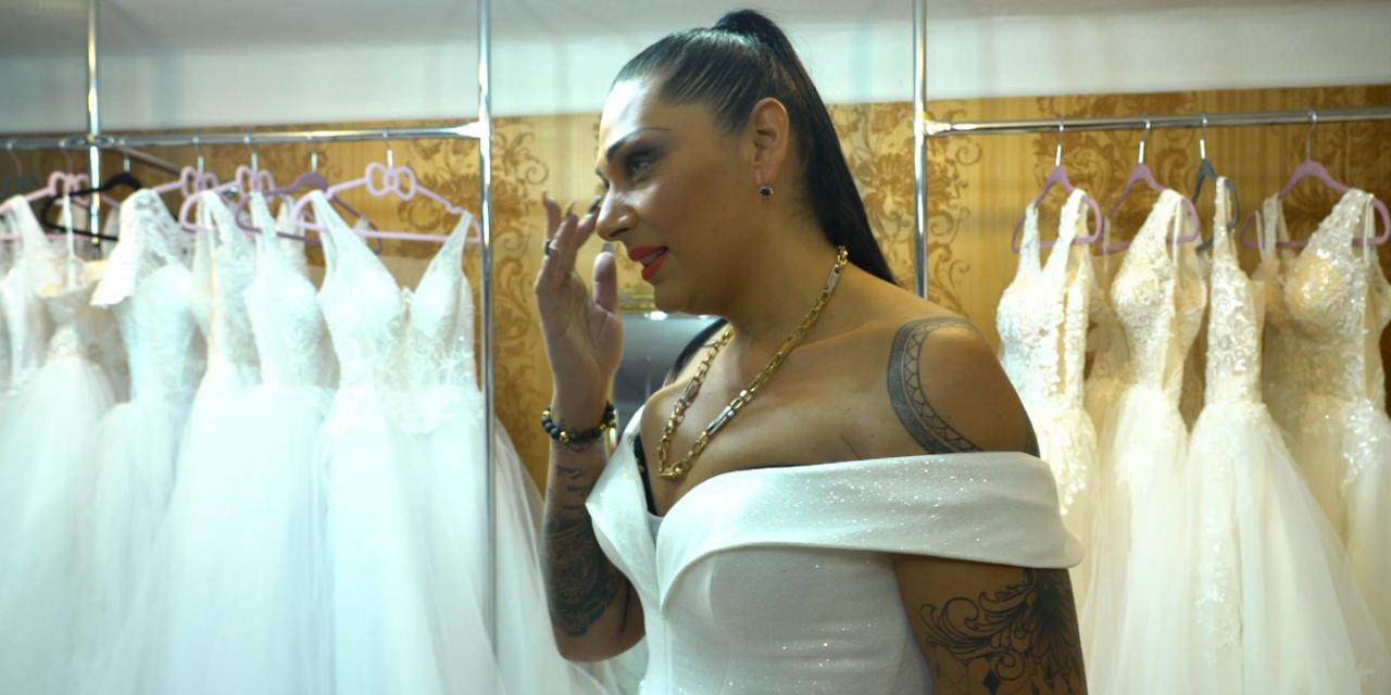 Hoppá: esküvői ruhapróbán járt Emilio és Tina – Vajon hamarosan megújítják a fogadalmukat? – fotók