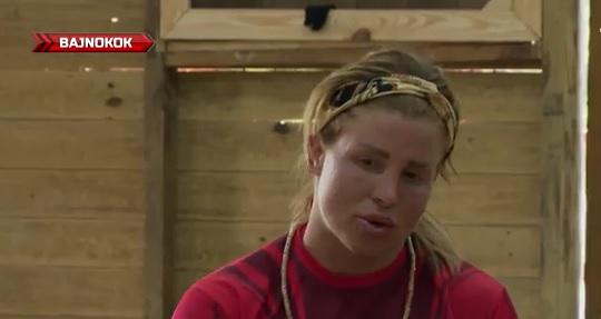 Földhöz vágta a csapattársát Szabó Franciska: ő volt az áldozat – videó