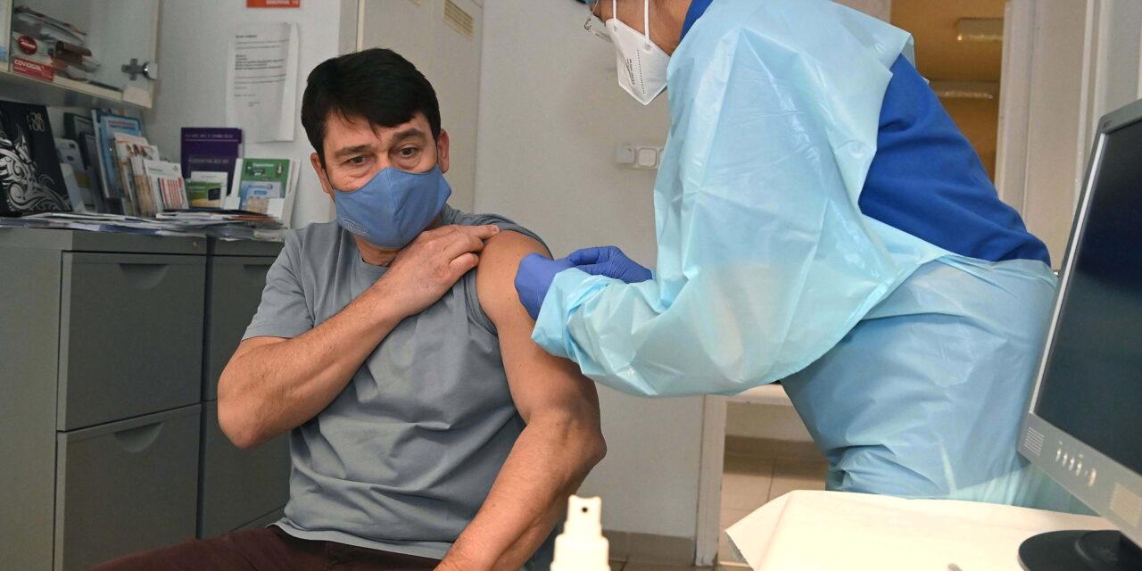 Áder Jánost is beoltották koronavírus ellen, ezt a vakcinát kapta meg