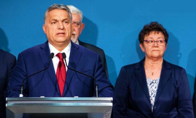 """""""Mindannyian Müller Cecília kezében vagyunk. Okos asszony"""" – Orbán Viktor szerint a tisztifőorvos azt mondta, jól haladnak a kínai oltással"""