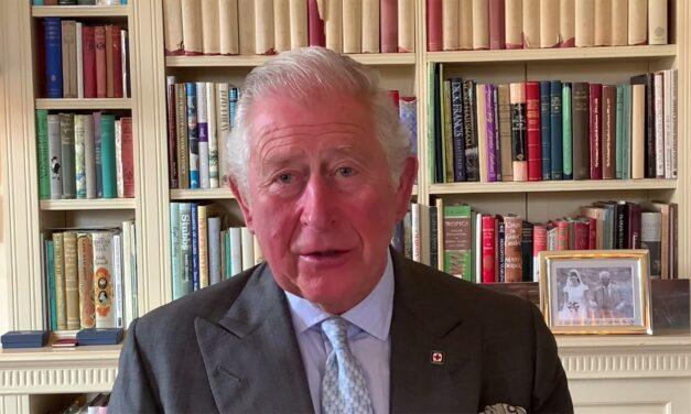 Kiderültek Károly herceg Fülöpnél tett látogatásának részletei – a közel 100 éves herceg a halálra készülne?