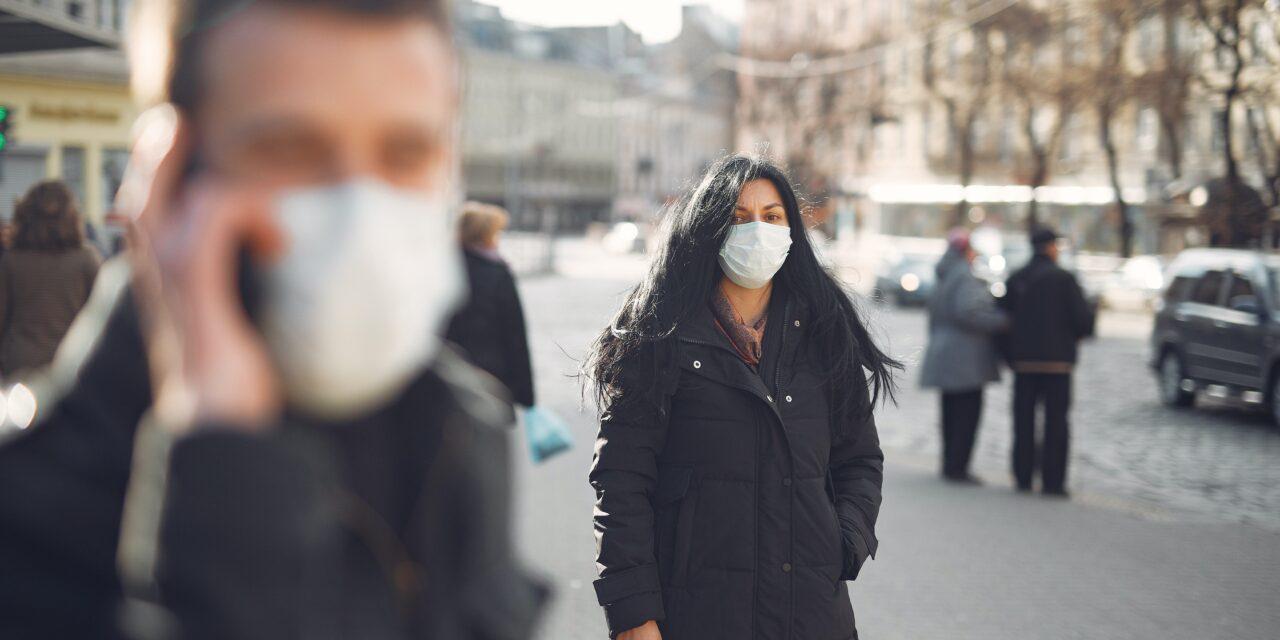 Hónapra pontosan megmondták: ekkor lazíthat a kormány a járványügyi korlátozásokon
