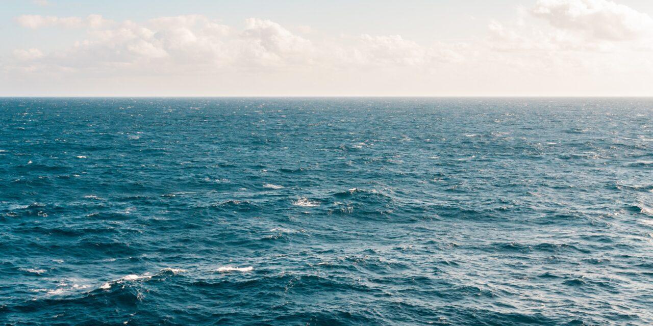 Fantasztikus siker:  egy 21 éves brit lett a legfiatalabb nő, aki átevezett az Atlanti-óceánon