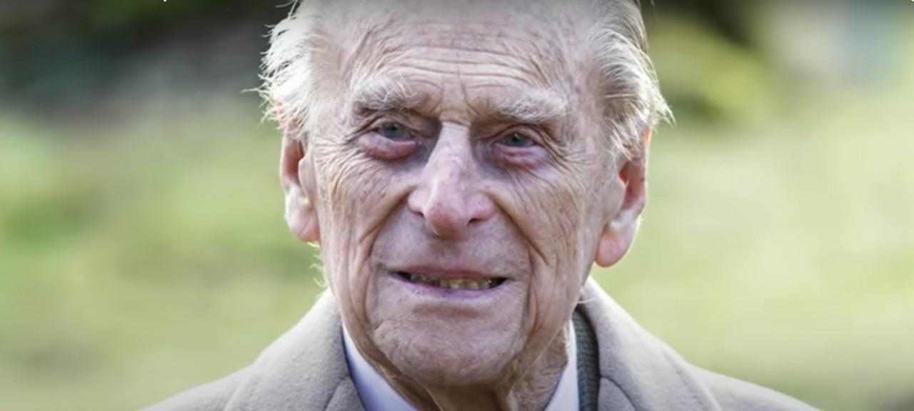 Jó hír: hazaengedték a kórházból Fülöp herceget