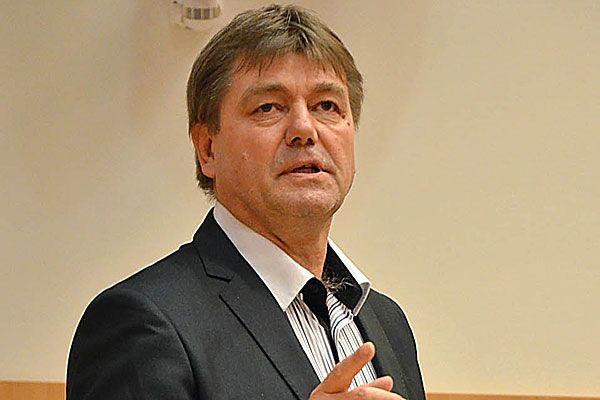 Meghalt Puhl Sándor, a legismertebb magyar játékvezető