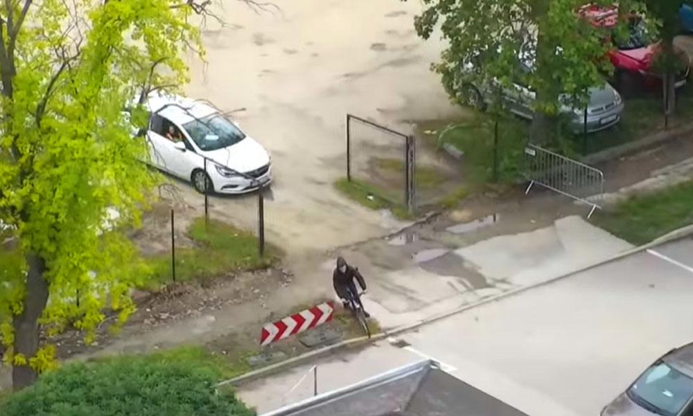 Autóval üldözték a biciklis drogos férfit Siófokon, ilyent még nem láttál!