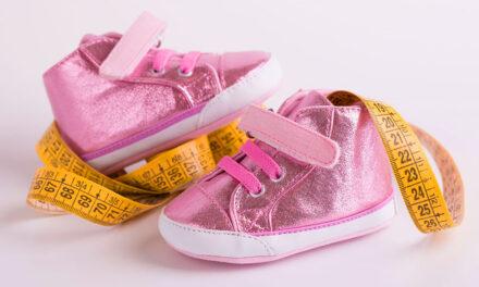 Hogyan lehet megmérni a gyerek lábát?